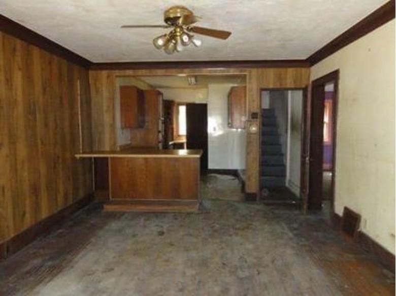 1136 Partridge Ave, Beloit, WI by Homewire Realty $44,900