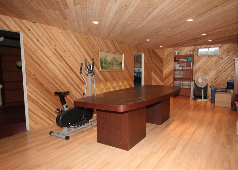 127 S Pioneer Pkwy, Fond Du Lac, WI by Shorewest Realtors, Inc. $180,000