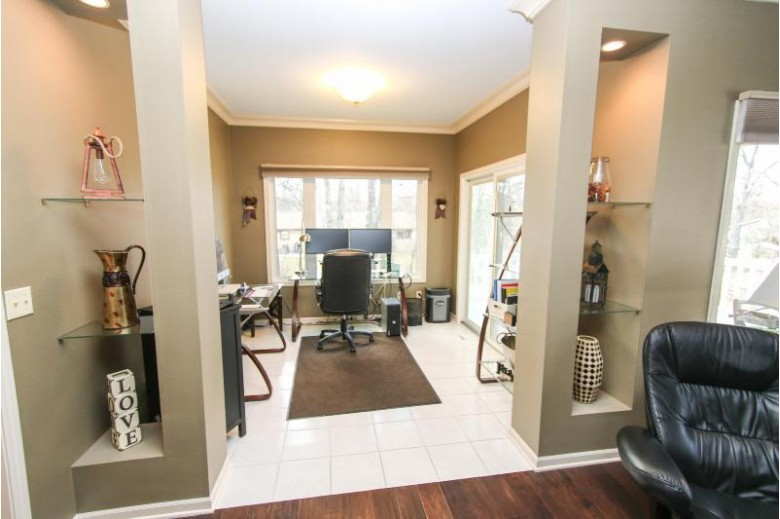 3179 S Waterford Ct, New Berlin, WI by Coldwell Banker Homesale Realty - Wauwatosa $314,000