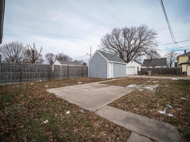 3856 N 37th St, Milwaukee, WI by Sunshine Realty Group $66,900