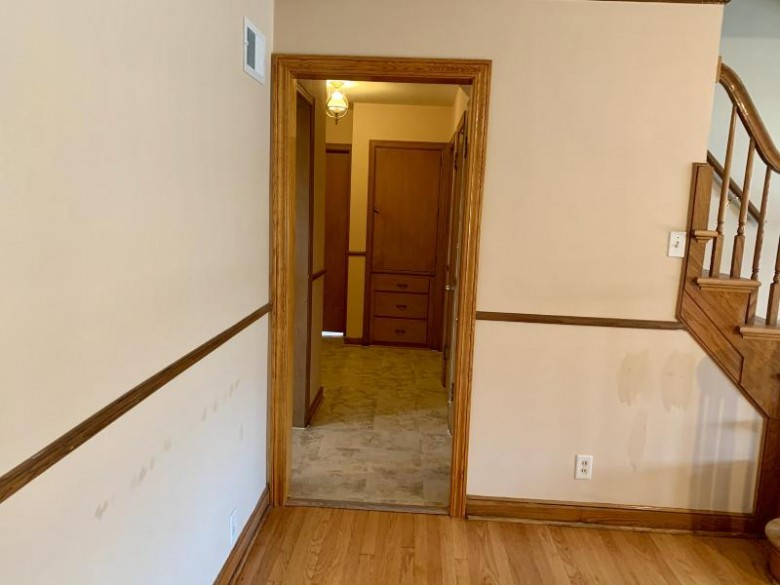 3165 S 36th St, Milwaukee, WI by Re/Max Lakeside-27th $184,900