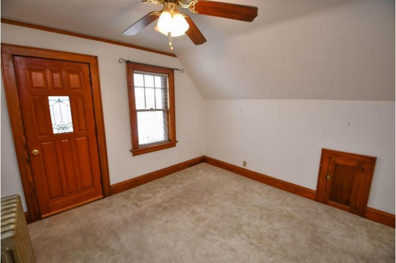 3123 S 43rd St, Milwaukee, WI by Benefit Realty $184,900