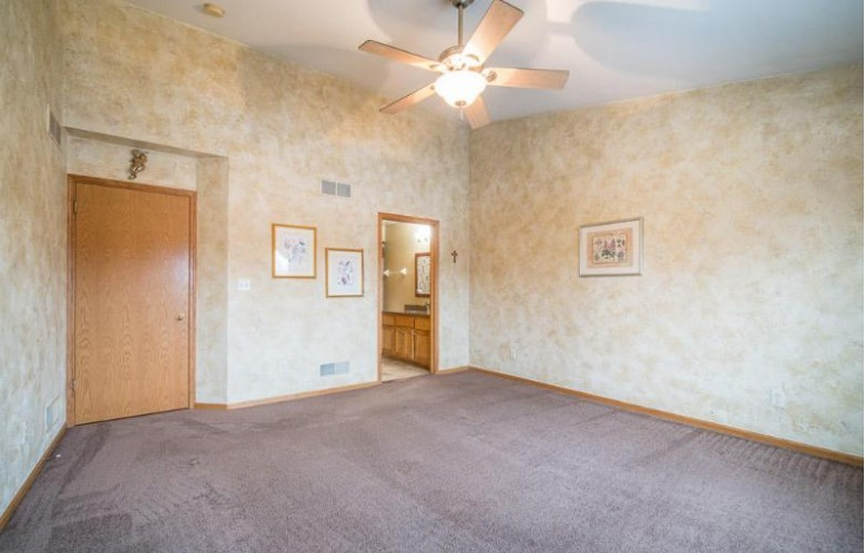 7927 Golden Bay Trl, Waterford, WI by Re/Max Realty 100 $349,500
