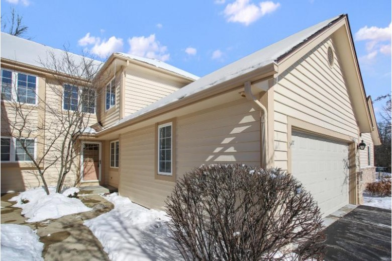 3035 River Birch Dr G, Brookfield, WI by Coldwell Banker Realty $329,900