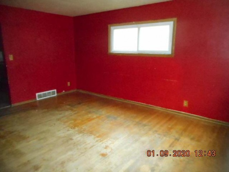 5926 N 70th St, Milwaukee, WI by Whitten Realty $59,900