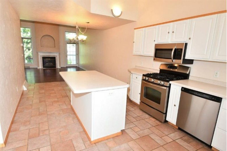 1036 E Green Tree Court B, Appleton, WI by Acre Realty, Ltd. $219,900