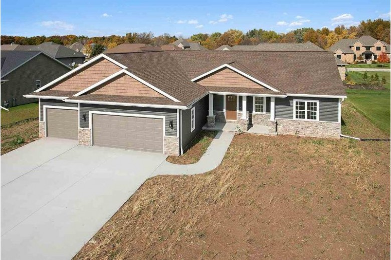 2855 Rodeo Drive, Green Bay, WI by Meacham Realty, Inc. $305,900