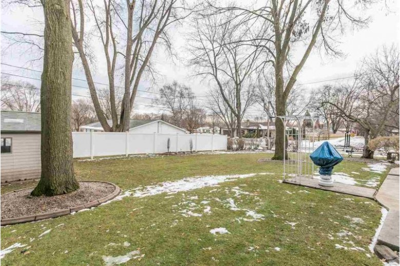 1153 Highview Lane, Green Bay, WI by Coldwell Banker Real Estate Group $219,900