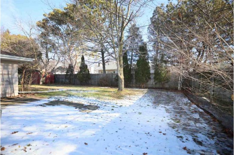 1720 S Seminole Road, Appleton, WI by Coldwell Banker Real Estate Group $164,900