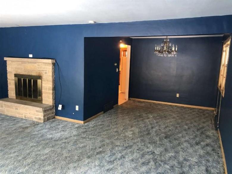 1002 Ridgeway Boulevard, De Pere, WI by Patterson's Real Estate Office $106,500
