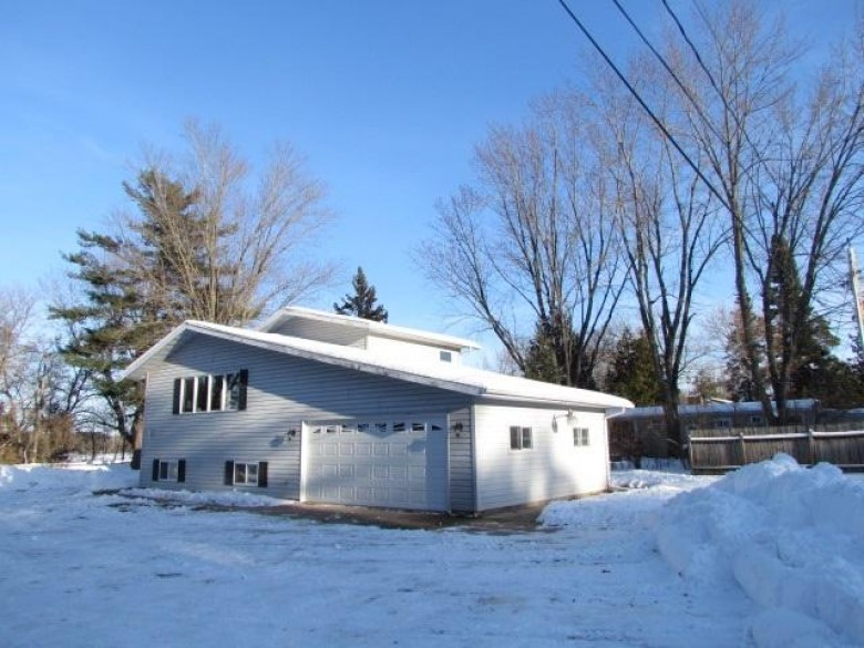 N10627 Lakeshore Road, Clintonville, WI by Zimms and Associates Realty $164,900