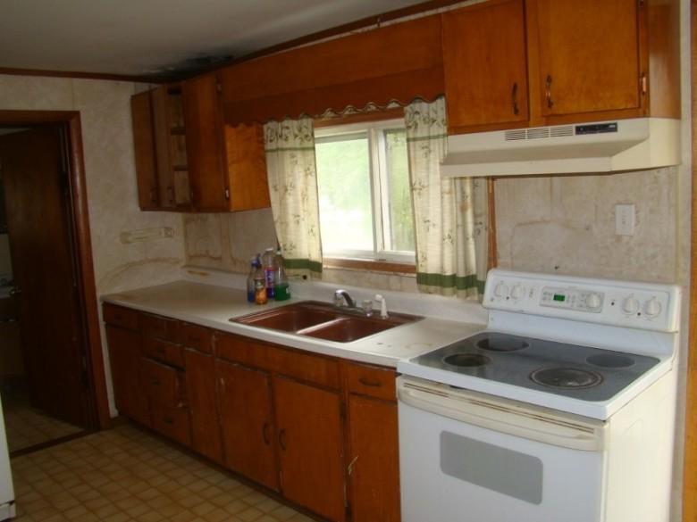 117 E Dodge St, Dodgeville, WI by First Weber Real Estate $50,000