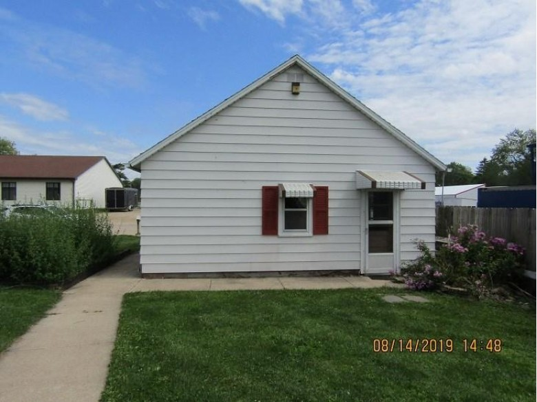 218 Ripon Rd, Berlin, WI by Yellow House Realty $63,900