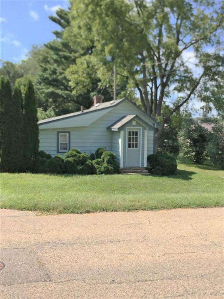 244 S Wood St, Spring Green, WI by Century 21 Affiliated $49,900