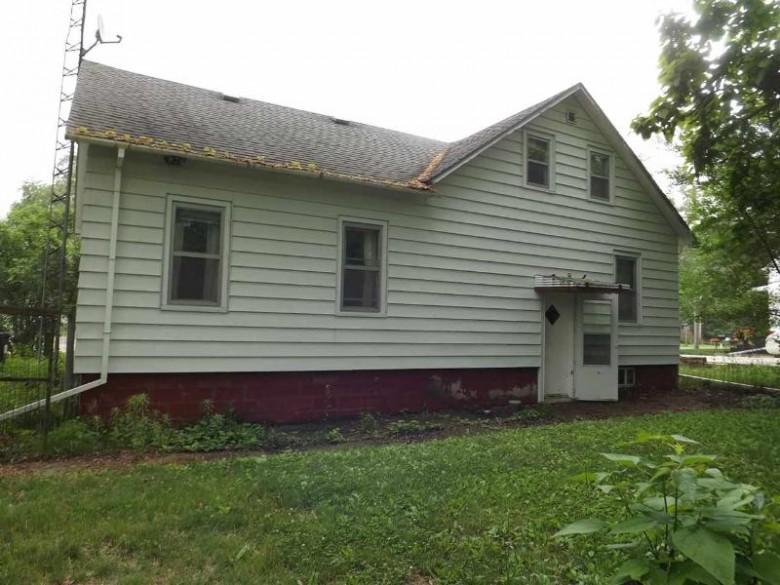 1119 Wauona Tr, Portage, WI by Century 21 Affiliated $59,500