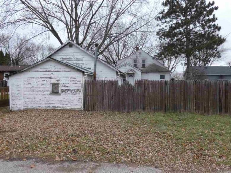124 S Ohio St, Prairie Du Chien, WI by Century 21 Affiliated $39,900