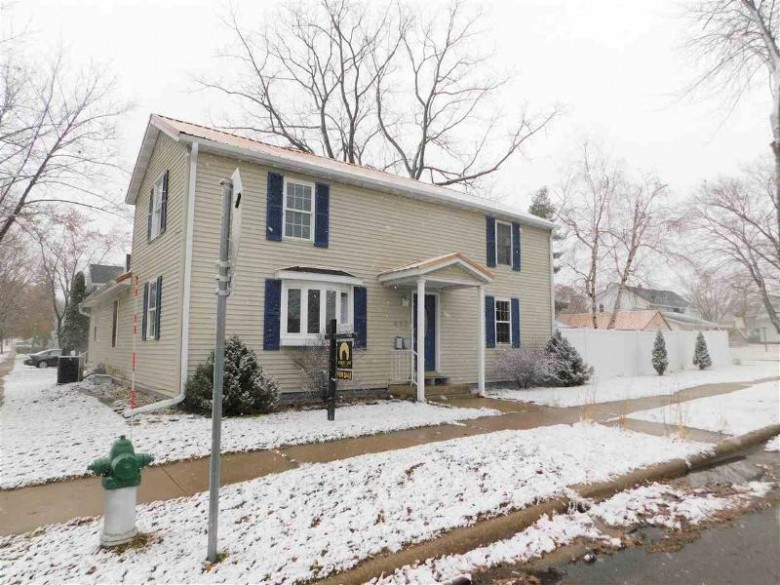 413 Adams St, Portage, WI by Weichert, Realtors - Great Day Group $162,900
