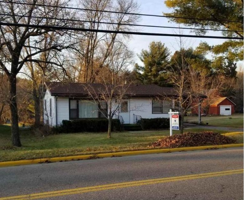 1235 River Rd, Wisconsin Dells, WI by Re/Max Grand $99,900