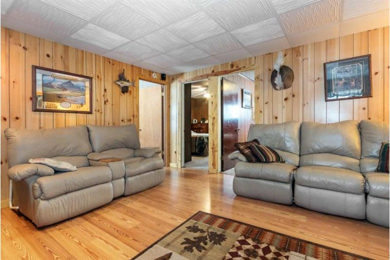 780 Chicago Ave, Friendship, WI by Big Block Midwest $195,000