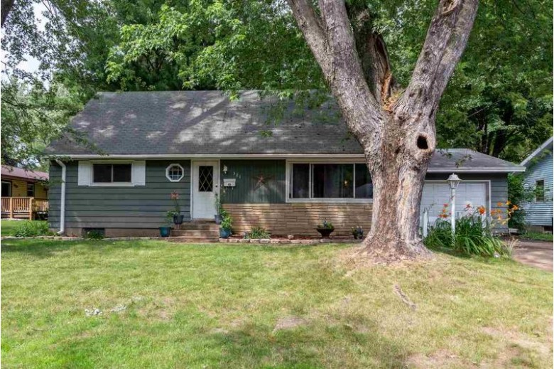 321 Ash Street, Wisconsin Rapids, WI by Exit Greater Realty $80,000