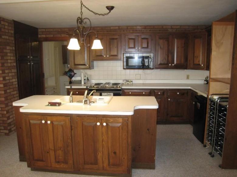 301 W Randall Pl, Elkhorn, WI by Rauland Agency, Inc. $159,900