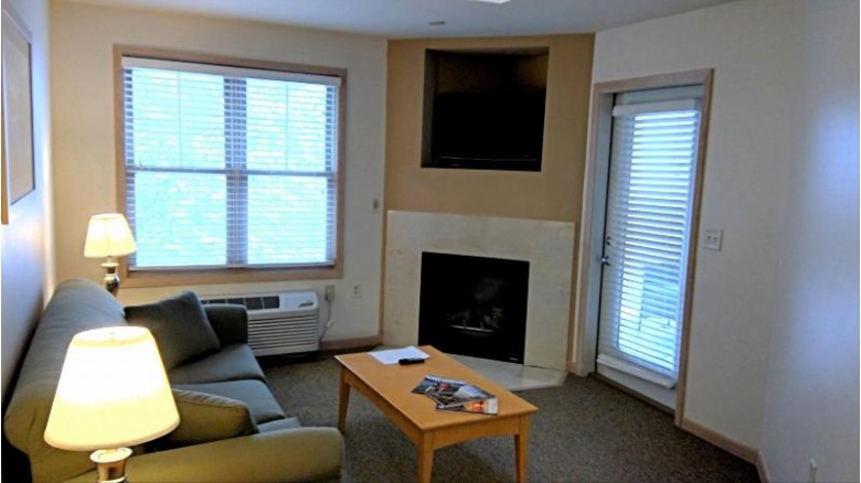123 Center St 312, Lake Geneva, WI by Coldwell Banker Real Estate Group $84,500