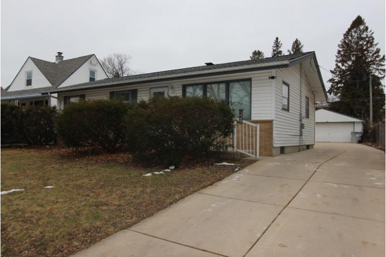 3653 S 87th St, Milwaukee, WI by Coldwell Banker Homesale Realty - Franklin $189,900