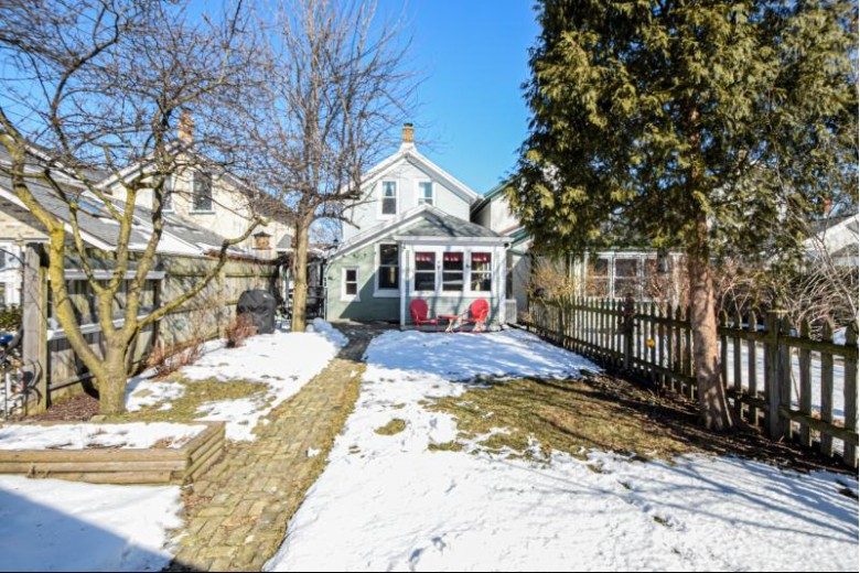 735 E Lincoln Ave, Milwaukee, WI by Shorewest Realtors, Inc. $230,000
