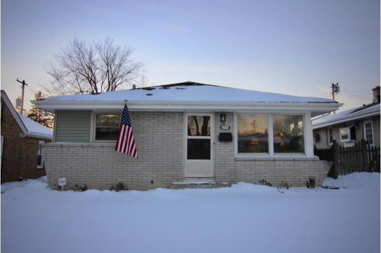 4725 N 80th St, Milwaukee, WI by Premier Point Realty Llc $149,900