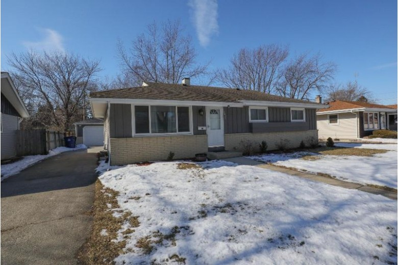 3822 Spruce St, Racine, WI by Berkshire Hathaway Homeservices Metro Realty-Racin $167,000