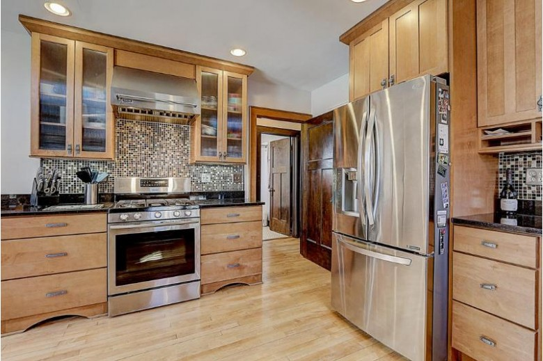 6923 W Wisconsin Ave, Wauwatosa, WI by Re/Max Realty 100 $369,900