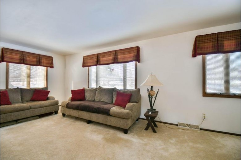 16107 W Heritage Ln, New Berlin, WI by Redefined Realty Advisors Llc $154,900