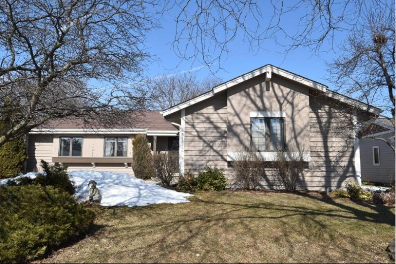 16260 W Mayflower Dr, New Berlin, WI by Shorewest Realtors, Inc. $319,900