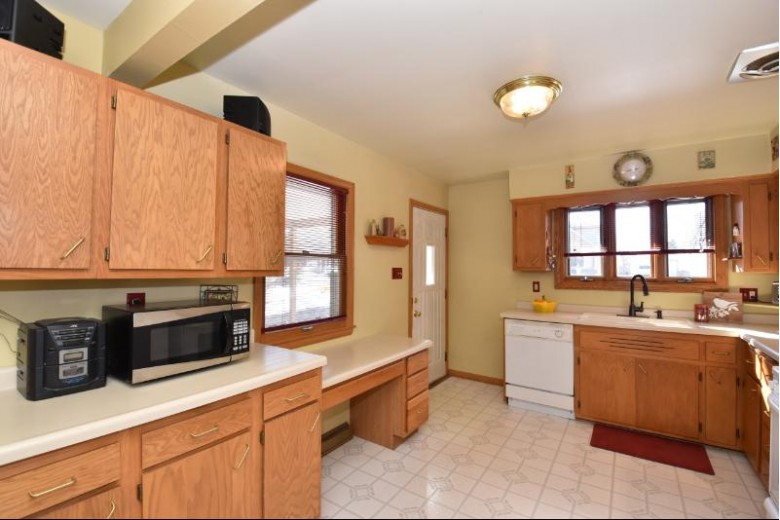 3760 S 56th St, Greenfield, WI by Shorewest Realtors, Inc. $189,900