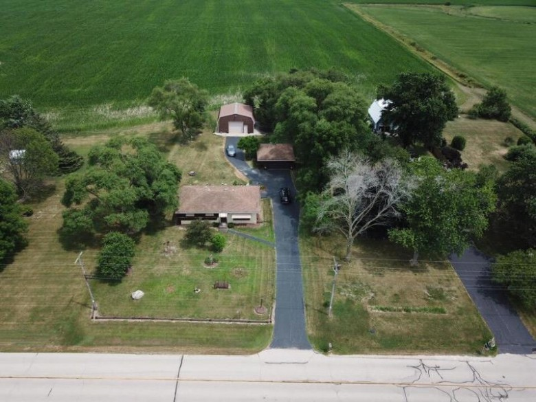 2888 43rd St, Franksville, WI by Re/Max Newport Elite $150,000