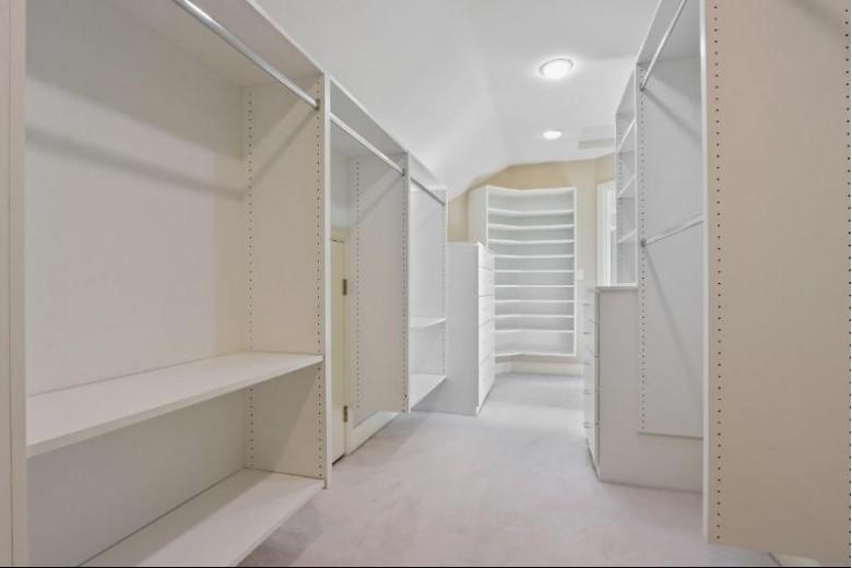 110 Stonebridge Court, Green Bay, WI by Mark D Olejniczak Realty, Inc. $529,900