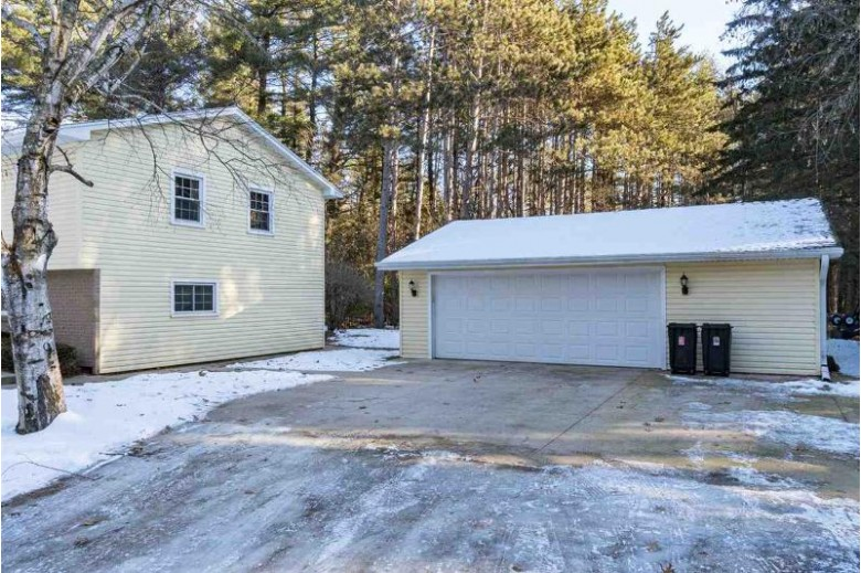 N3526 Paradise Court, New London, WI by Century 21 Affiliated $209,900