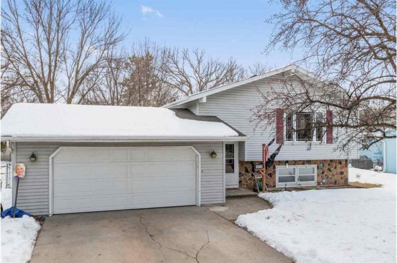 1325 W 9th Avenue, Oshkosh, WI by Century 21 Ace Realty $179,900