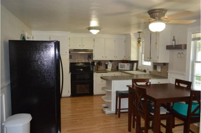 906 N Locust Street, Green Bay, WI by Keller Williams Green Bay $149,900