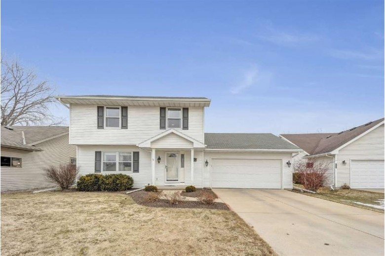 2073 E Baraboo Circle, De Pere, WI by EXP Realty LLC $199,000