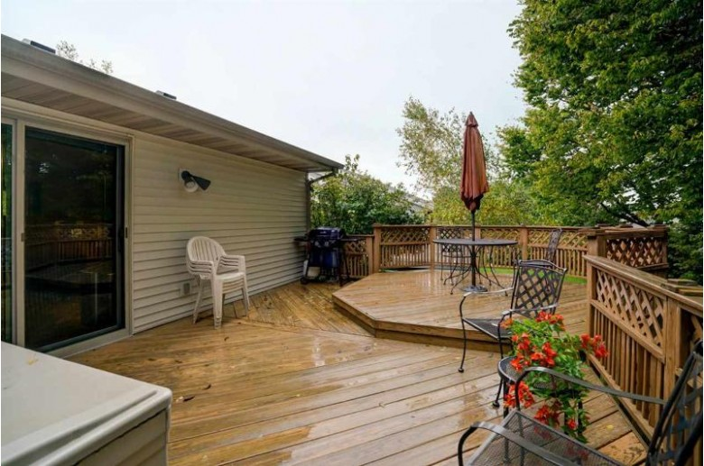 5908 Juniper Ridge, McFarland, WI by Century 21 Affiliated $360,000