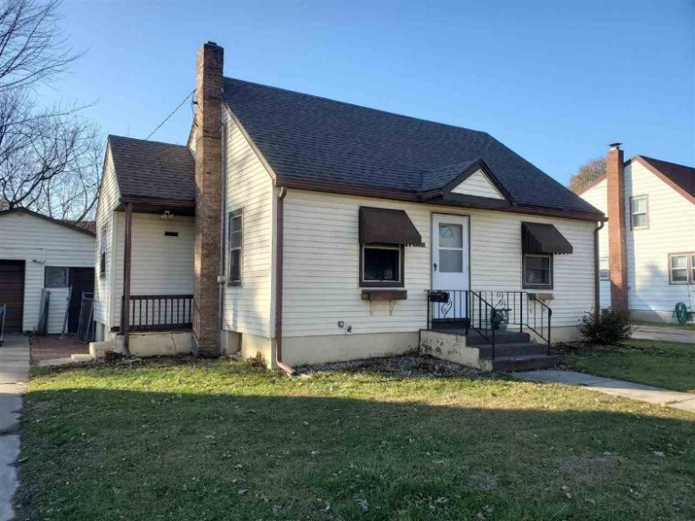 409 N Oakhill Ave, Janesville, WI by Century 21 Affiliated $119,900
