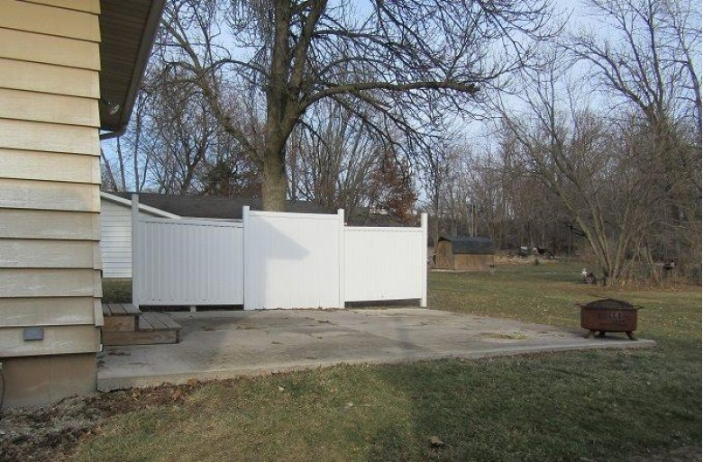 150 S Johnson St, Berlin, WI by Yellow House Realty $129,900
