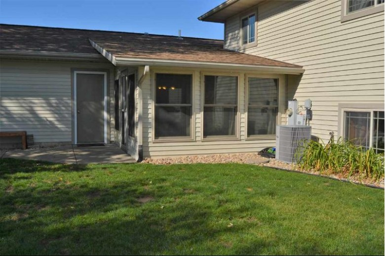 S12420 Garden Path, Spring Green, WI by Century 21 Affiliated $298,900
