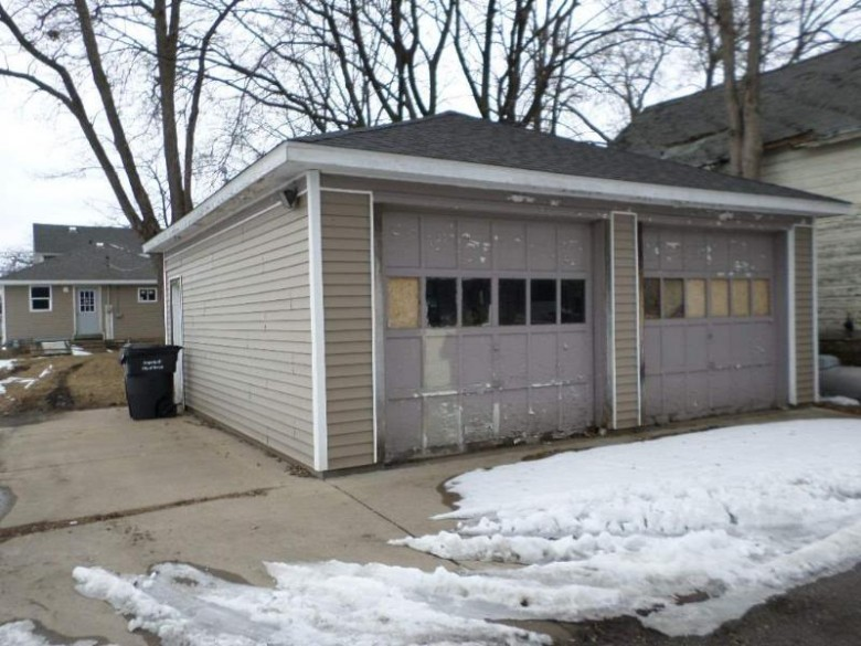 1416 Superior Ave, Tomah, WI by Vip Realty $71,900