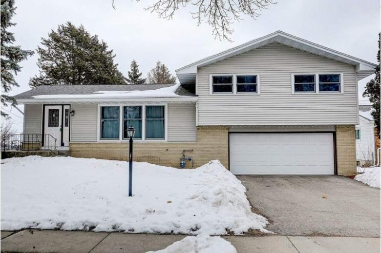 4717 Declaration Ln, Madison, WI by Realty Executives Cooper Spransy $240,000