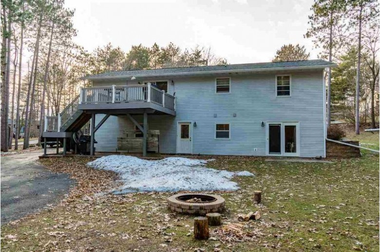 E11011 Pine Acres Dr, Baraboo, WI by Re/Max Grand $289,000