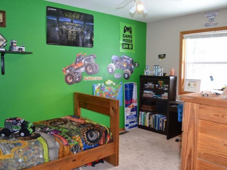 5222 Headquarters Tr, Pine Lake, WI by Flanders Realty Group $329,900