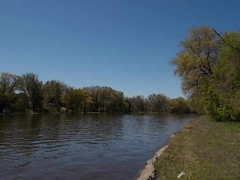 260 W Milwaukee Ave, Fort Atkinson, WI by Re/Max Preferred~ft. Atkinson $68,000