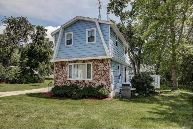 5625 Peninsula W Dr, Waterford, WI by Exp Realty, Llc~milw $194,400